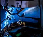 文字通り「180°の1画面」 – Simpit Icarus 180 Avenger